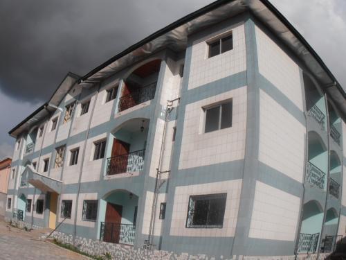 Appartement de 02 chambres Г  louer Г  Messamendongo, YaoundГ©  135.000 f cfa le mois