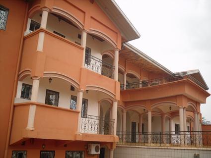 Appartements de 02 chambres Г  louer Г  Mvan, YaoundГ©  175.000 F CFA le mois